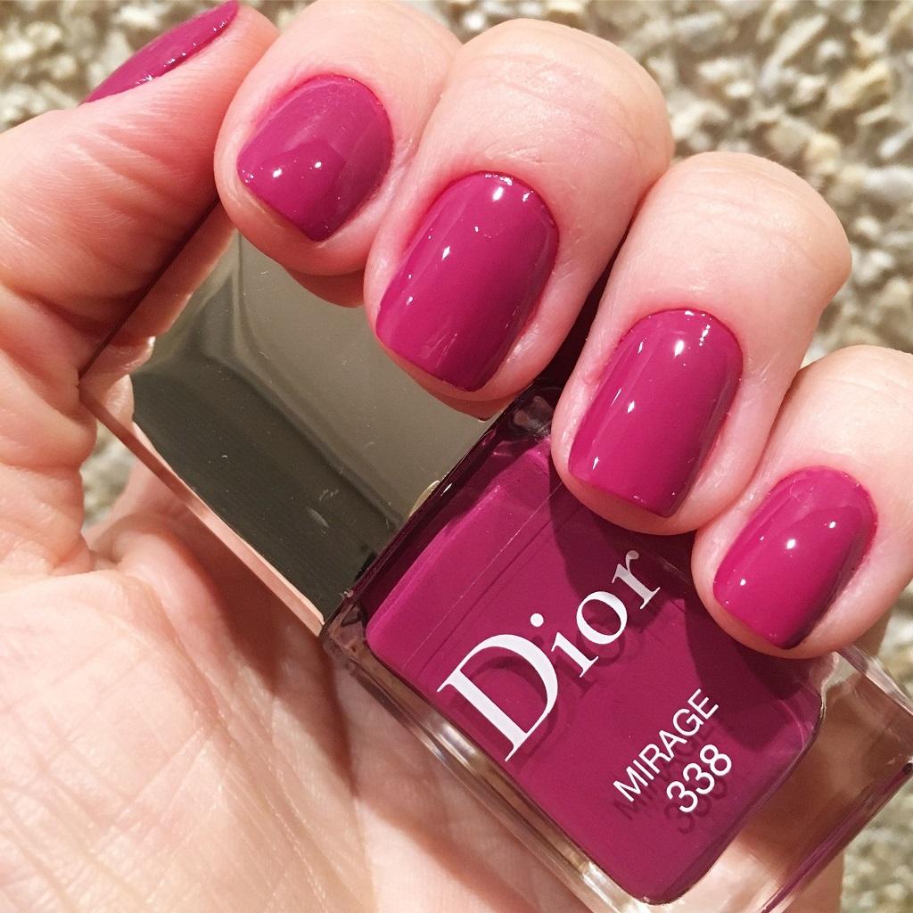 DIOR – Gel Shine & Long-Lasting Nail Color