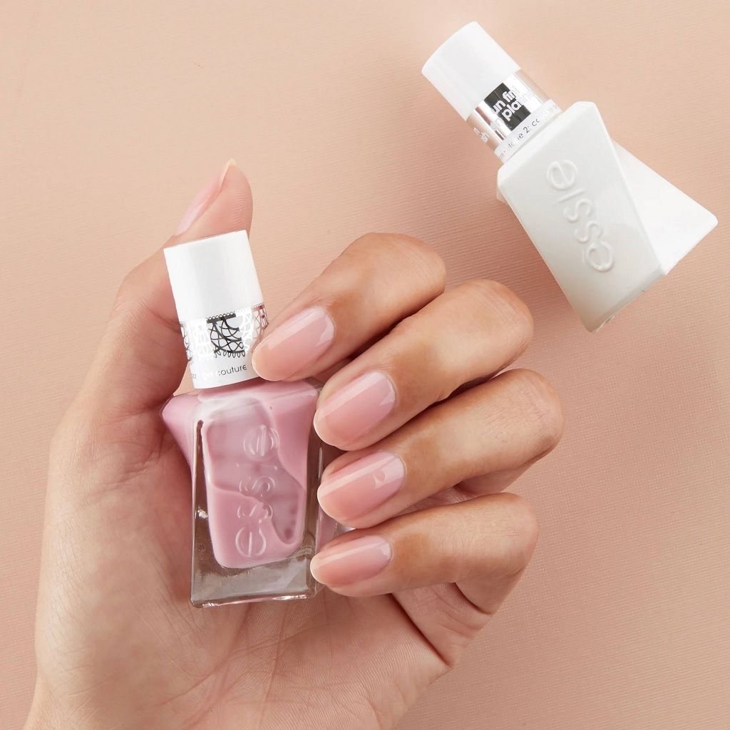 Essy – Gel Couture