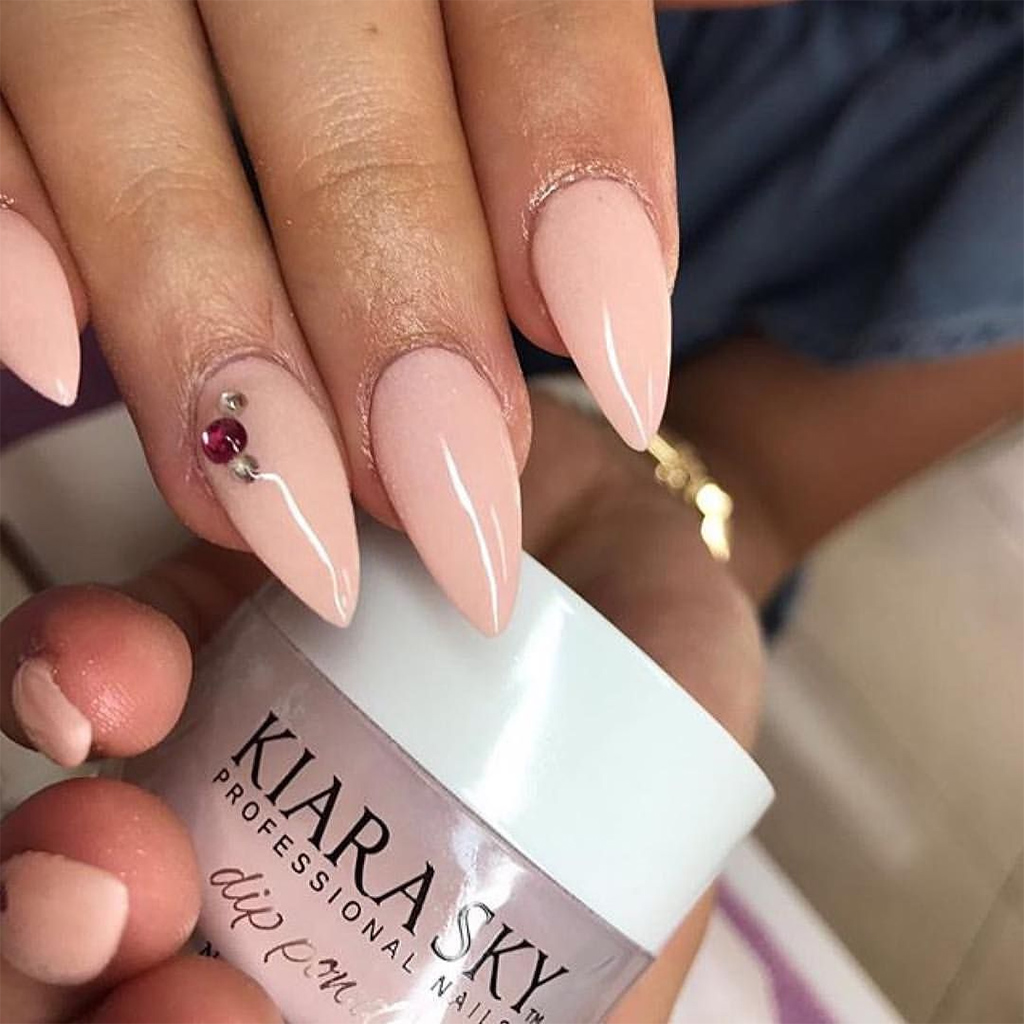 Why Don't Customers like Doing Dipping Powder Nails at the Salon?